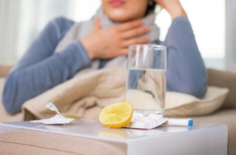 s023_インフルエンザにかかった女性