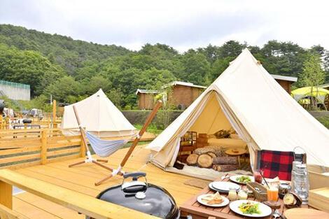 GRAX PREMIUM CAMP RESORT 京都 るり渓 テント
